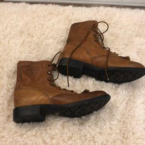 Ariat lace up boots SZ 7.5